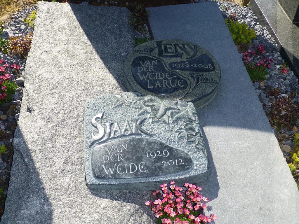 Het graf van mijn ouders in samenwerking en uitvoering met Maarten Fleuren